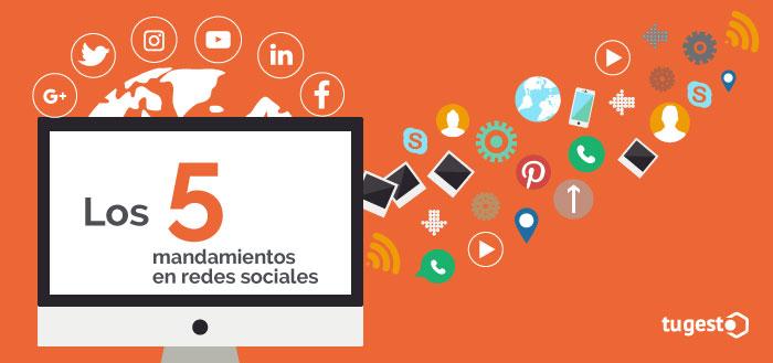 Ordenador e iconos de redes sociales