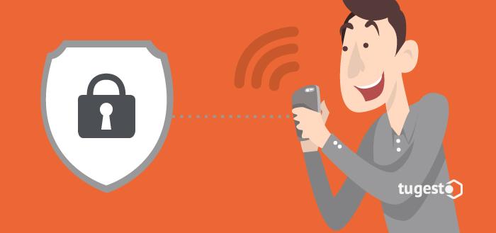 Persona manteniendo conversaciones seguras a través de su móvil. Aplicaciones